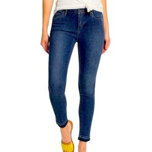 Articles of Society Carly Skinny Crop, size 25